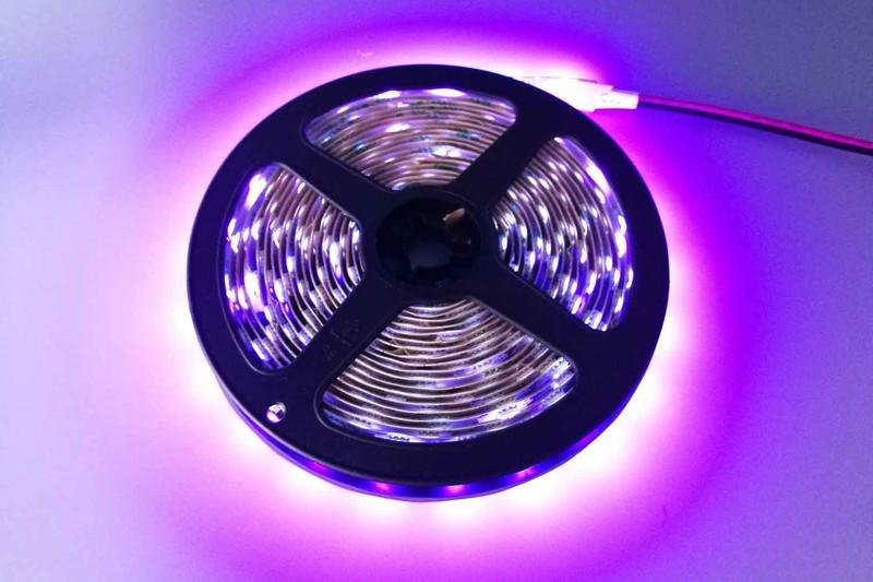 Flexible 16.4' 300 Diodes UV LED Strip Light - DR-5050FX60-24UV